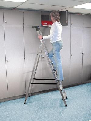 Лестница стремянка Safety 6 ступеней купить на выгодных условиях в Красноярске