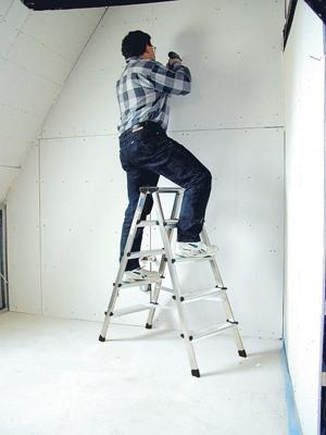 Лестница стремянка купить на выгодных условиях в Красноярске