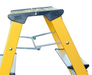 Лестница стремянка складная подставка Rolly 2 ступени купить на выгодных условиях в Красноярске